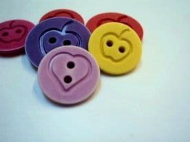 18mm HEART and APPLE ITALIAN PLASTIC BUTTONS VINTAGE COLOURS - price is for 10 buttons