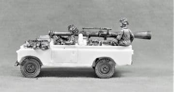 BAOR23 LANDROVER WITH WOMBAT AND CREW.